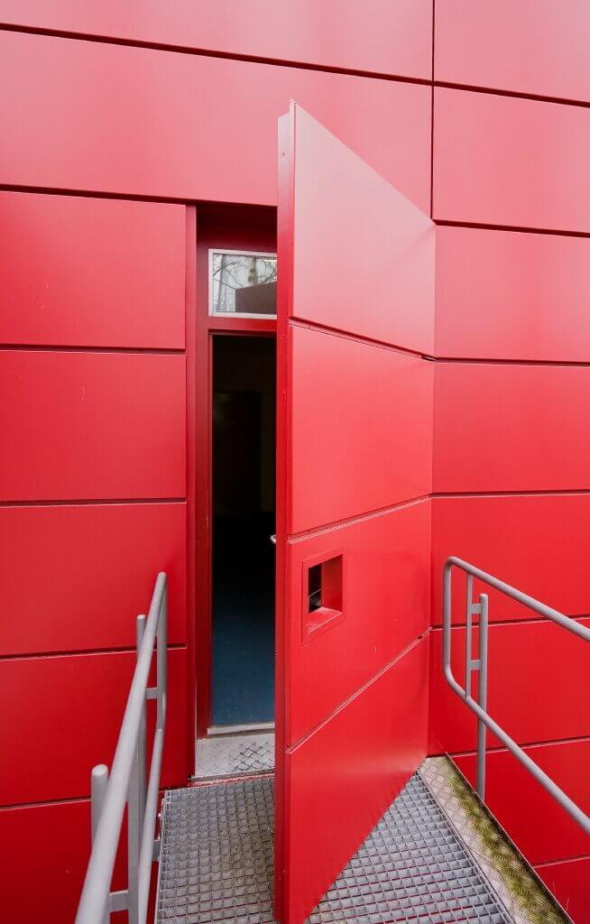 Tapeten- und Fassadentüren